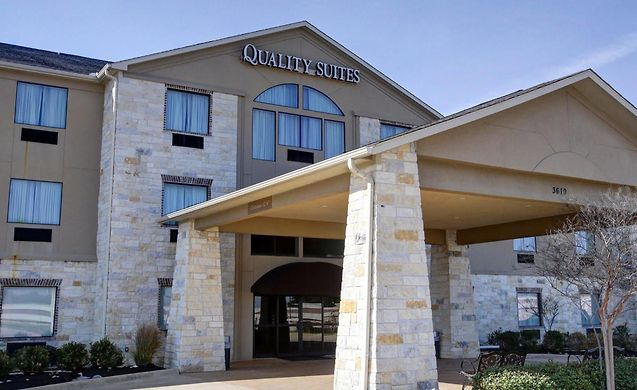 ** QUALITY SUITES, COLLEGE STATION **